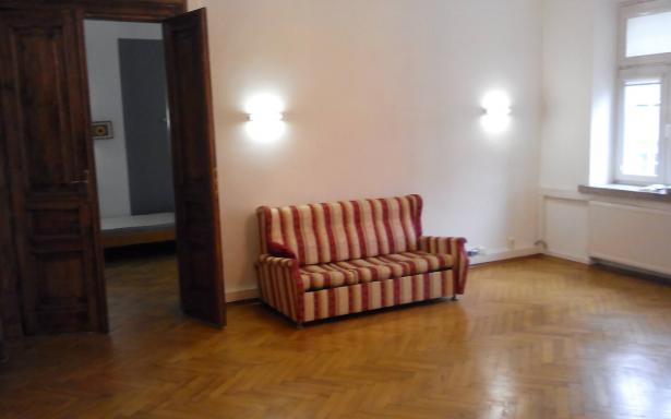 105 m  w zabytkowej kamienicy w centrum Warszawy -mieszkanie/biuro 5356070